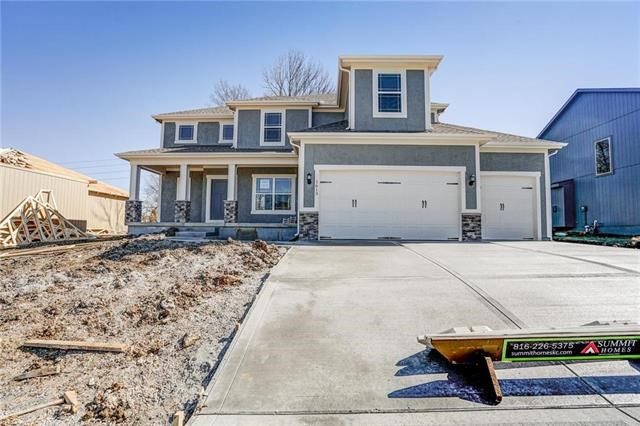 1613  Grandshire Drive, Raymore, MO 64083
