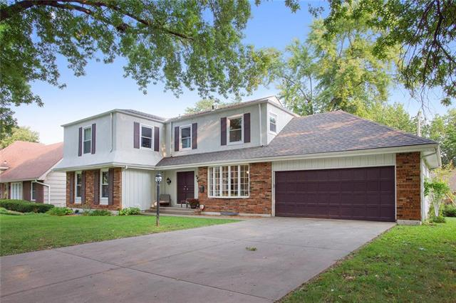 4 W Bridlespur Drive, Kansas City, MO 64114
