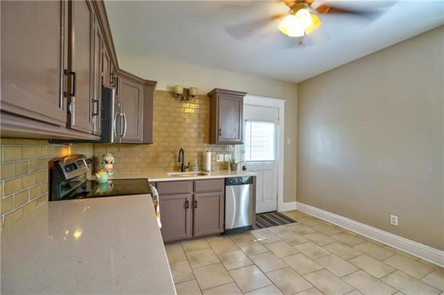 132  Cliff Drive, Excelsior Springs, MO 64024