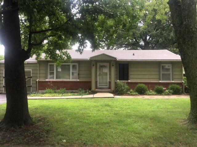 611 SE Browning Avenue, Lee's Summit, MO 64063