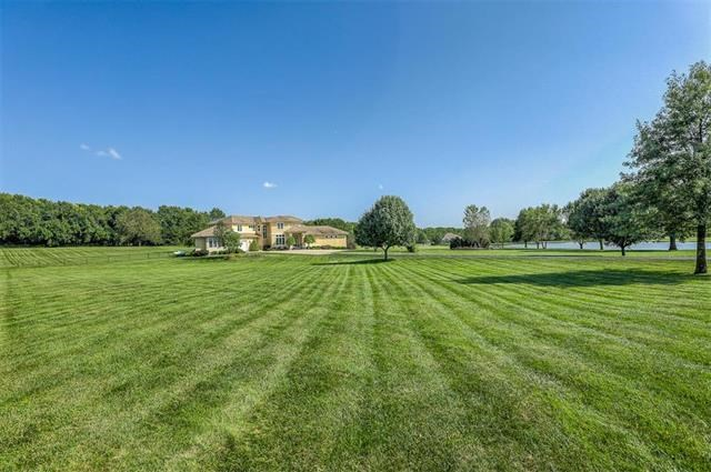 15515  Meadowbrook Court, Raymore, MO 64083