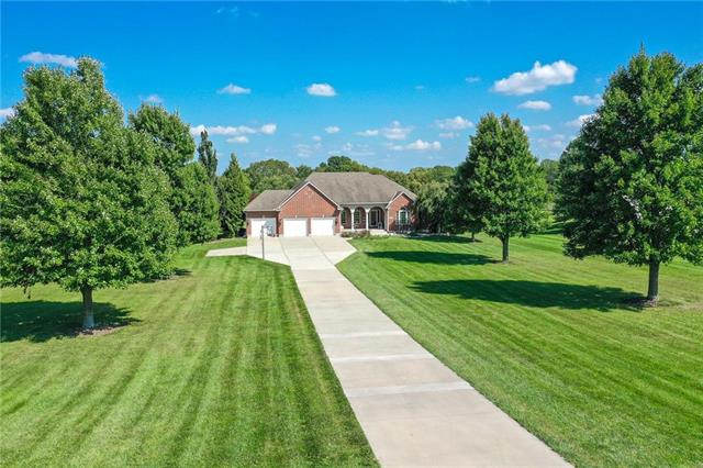 7505 S DANELL Lane, Grain Valley, MO 64029