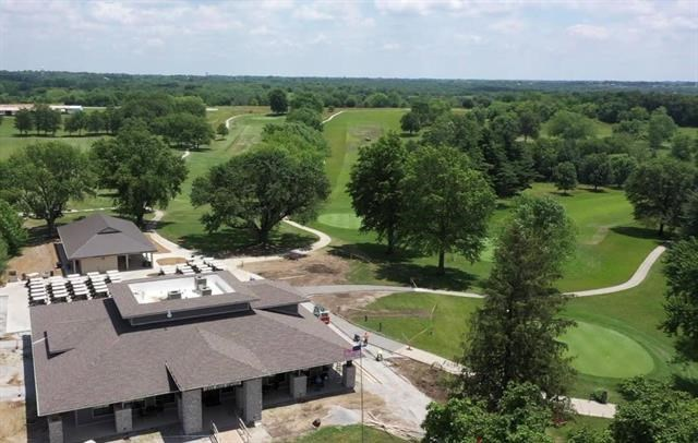 903 E Golf Hill Drive, Excelsior Springs, MO 64024