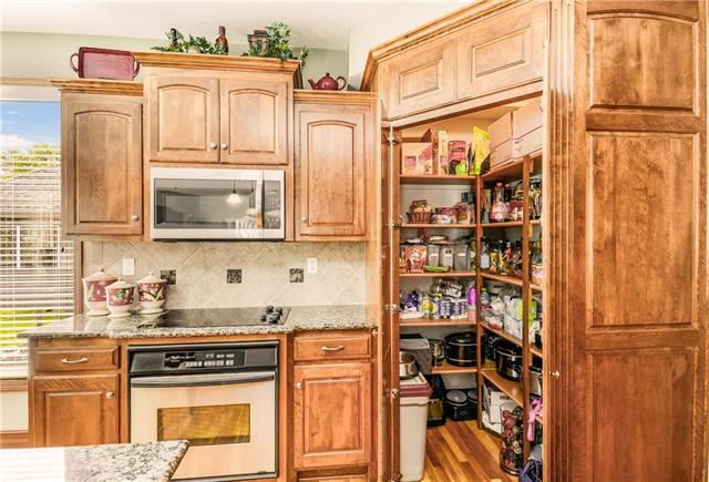 2604 NE Falcon Wood Drive, Blue Springs, MO 64014