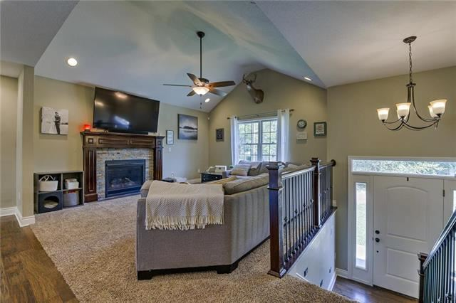 208  May Street, Excelsior Springs, MO 64024