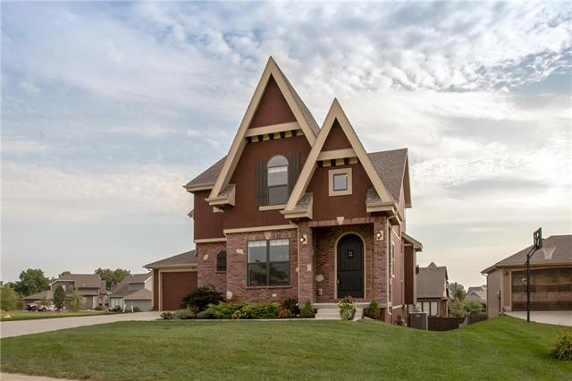 1268 SW Wysteria Drive, Lee's Summit, MO 64082