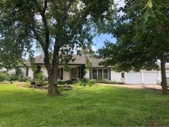 1947 NW Winchester Road, Cameron, MO 64429