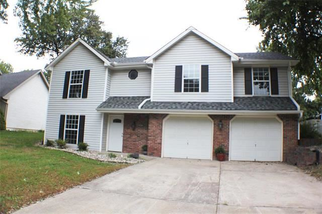 115 SE Williamsburg Drive, Blue Springs, MO 64014