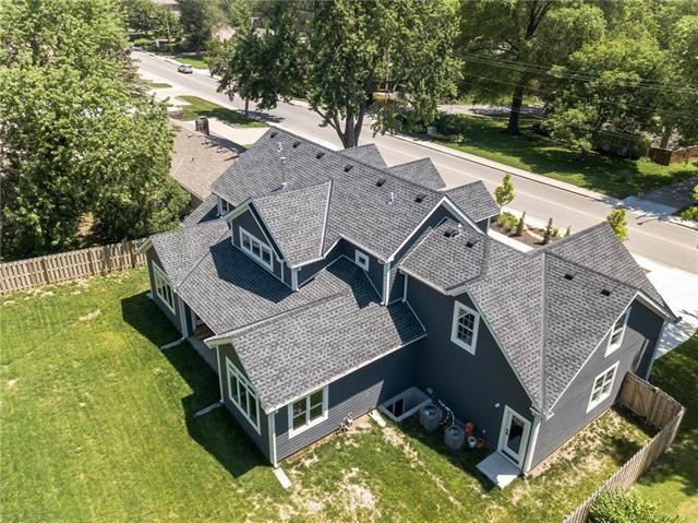 6028  Mission Road, Fairway, KS 66205