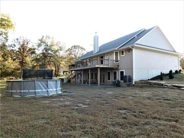 61 NW 1531st Road, Holden, MO 64040
