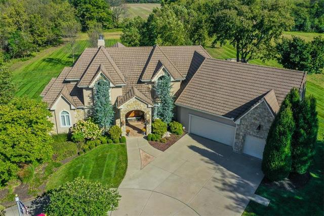 8315 Jacomo Ridge Drive, Lee's Summit, MO 64064