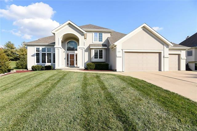 613 NW Riven Rock Trail, Lee's Summit, MO 64081