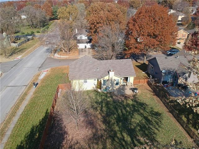 1128 SW LIGGETT Court, Blue Springs, MO 64015