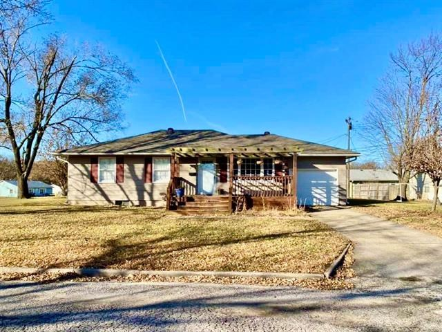 611 S Summit Road, Knob Noster         , MO 65336