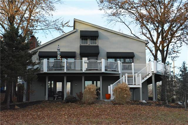 9397 NW Barry Road, Weatherby Lake, MO 64153