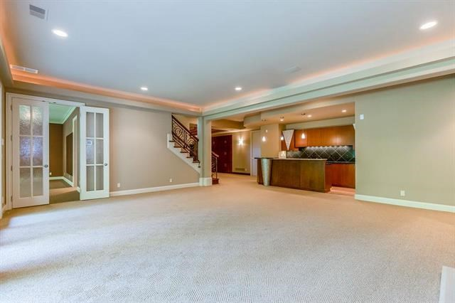3200 W 139th Street, Leawood, KS 66224