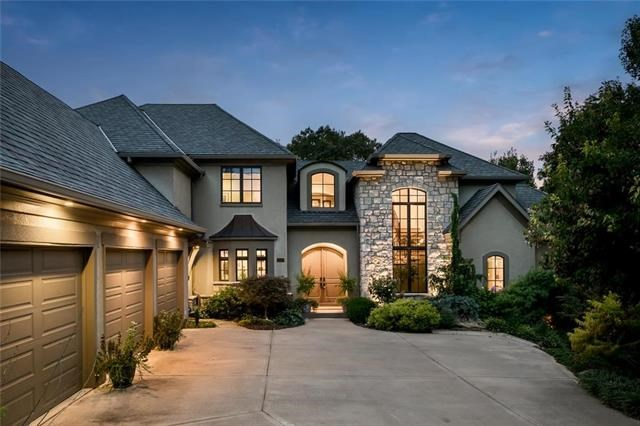 10430 NW River View Point, Parkville, MO 64152