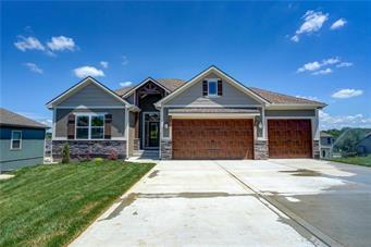 1800 Buffalo Grass Drive, Raymore, MO 64083