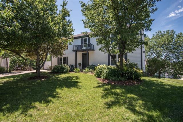 657 NW Brookhaven Drive, Lee's Summit, MO 64081
