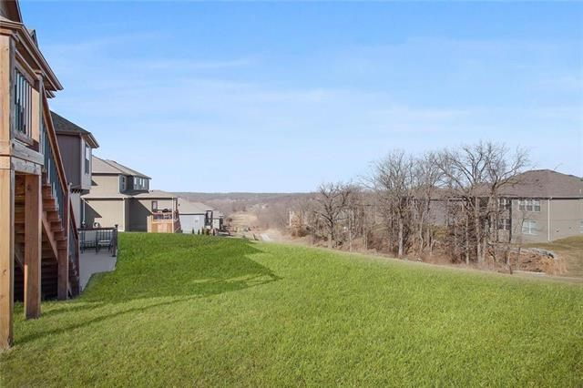 5900 S NATIONAL Drive, Parkville, MO 64152