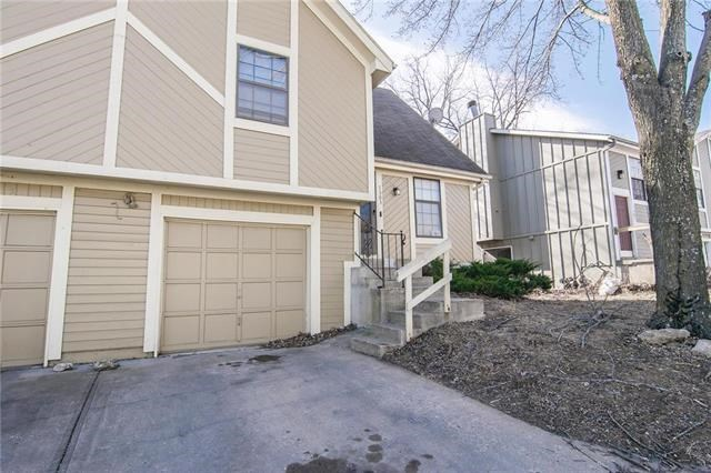 7301 W 55th Place, Overland Park, KS 66202