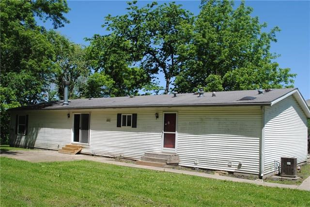 19335  Amelia Earhart Drive, Leavenworth, KS 66048