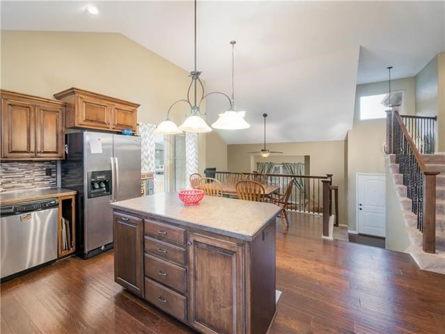 806  Eve Orchid Drive, Greenwood, MO 64034