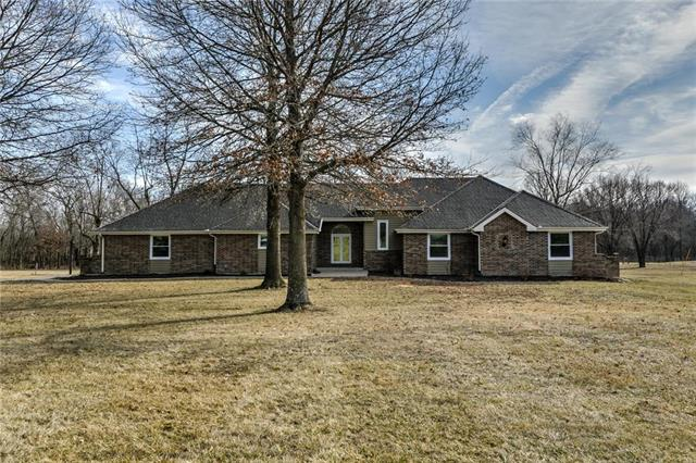 28811 S State Route TT Highway, Harrisonville, MO 64701