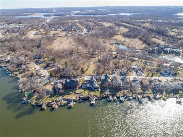 148  Beach Drive, Lake Tapawingo, MO 64015