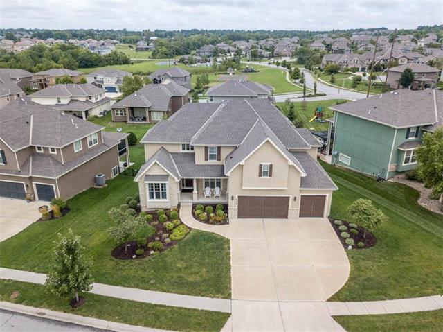 9508 W 164th Place, Overland Park, KS 66085