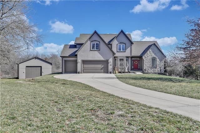 9853 S Bur Oak Circle, De Soto, KS 66018