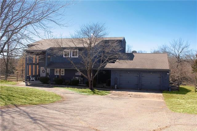 23854  Cottonwood Drive, Spring Hill, KS 66083