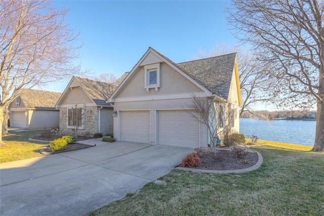 4525 NE Waters Edge Street, Lee's Summit, MO 64064