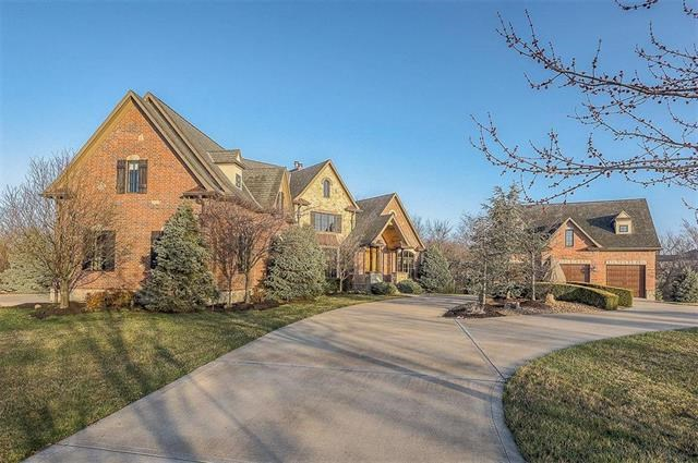 29806 E Windmill Ridge Lane, Lee's Summit, MO 64086
