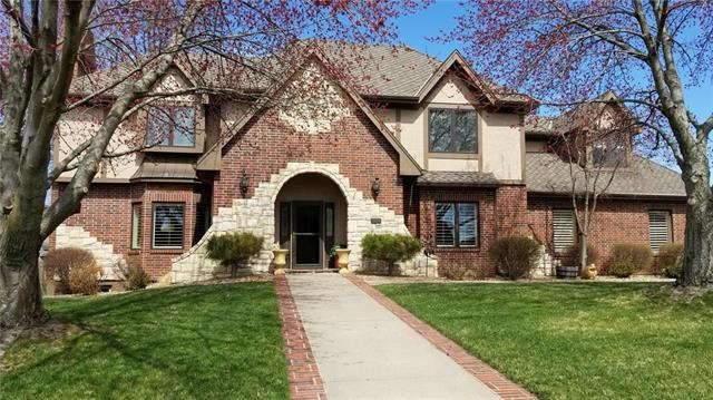 2448 NW Valley View Drive, Lee's Summit, MO 64081