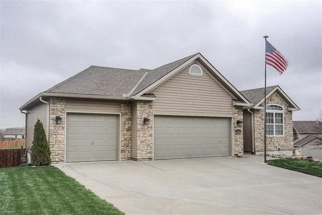 2325 S Heartland Court, Independence, MO 64057