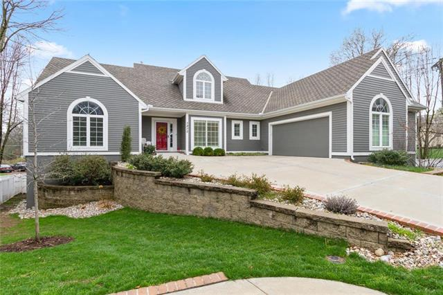 7870 Howe Circle, Prairie Village, KS 66208