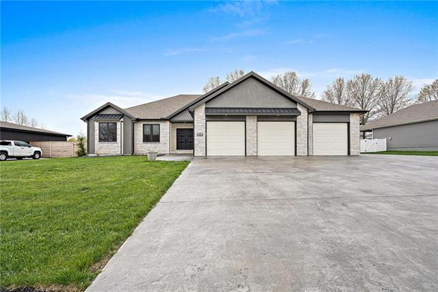 405 NW Rust Court, Grain Valley, MO 64029
