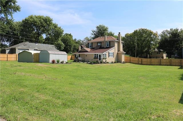 1614  5th Avenue, Leavenworth, KS 66048