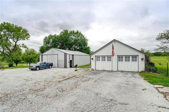 22310 S State Route Y Highway, Peculiar, MO 64078