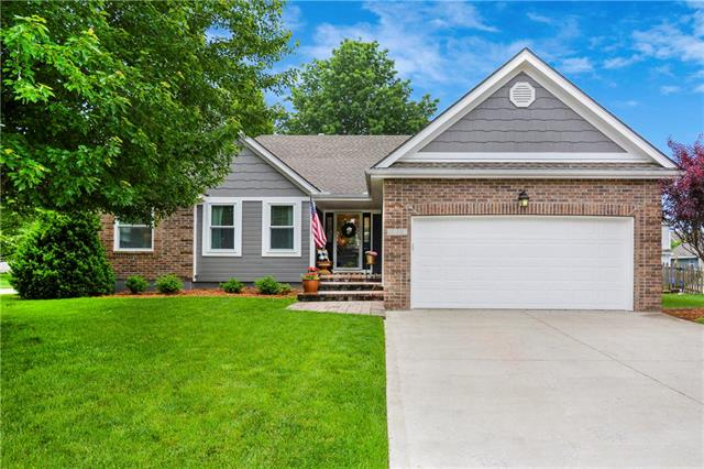 2733 SE 2nd Street, Lee's Summit, MO 64063