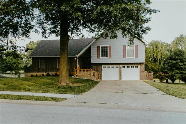 407 S Park Drive, Raymore, MO 64083