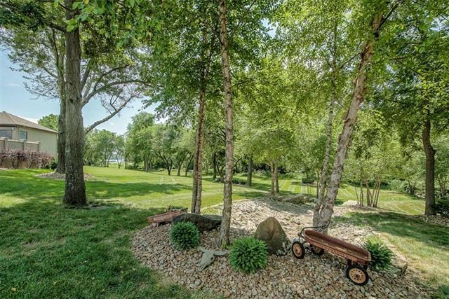 401 SE Cinch Drive, Lee's Summit, MO 64082