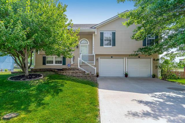 1445 SW Mission Road, Lee's Summit, MO 64081