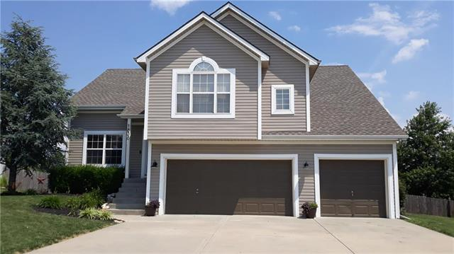1838 White Tail Lane, Liberty, MO 64068