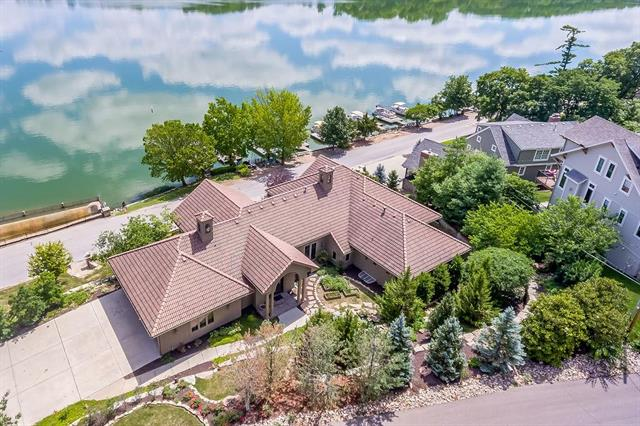 101 Terrace Trail West Street, Lake Quivira, KS 66217