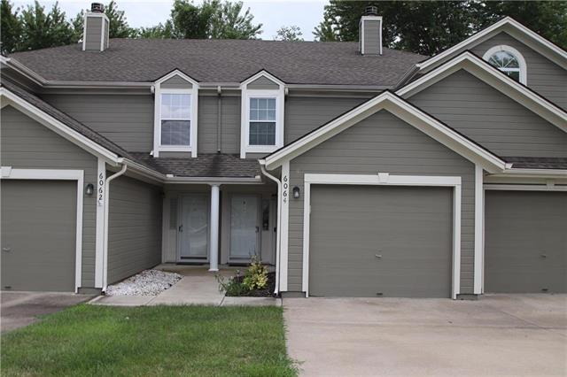 6064 NE Moonstone Drive, Lee's Summit, MO 64064