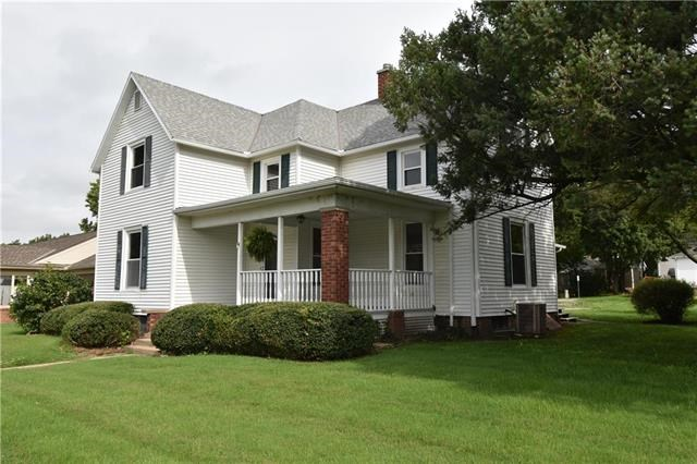 214 E 15th Street, Higginsville, MO 64037