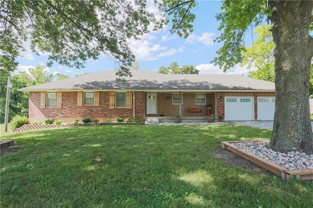 21200 NW Valley View Road, Independence, MO 64015