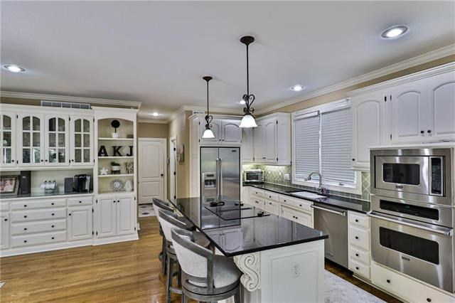 1705 NW Fawn Place, Blue Springs, MO 64015